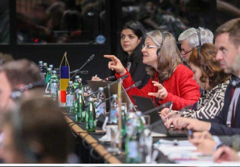 """""""Uniunea are nevoie de un nou proiect politic, iar cetățenii de un ideal care să-i țină uniți"""" a declarat președinta Comisiei pentru Afaceri Europene, Gabriela Crețu, la Reuniunea preşedinţilor Conferinţei Organelor Specializate în Afaceri Comunitare şi Europene de la Zagreb, Croația"""