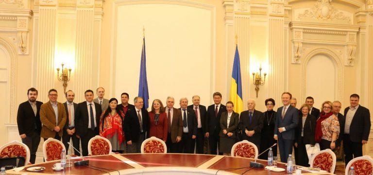 """""""Cred că geopolitica trebuie reformată"""" a declarat Gabriela Crețu în cadrul mesei rotunde intitulate """"Rolul României în redefinirea politicii externe europene"""""""