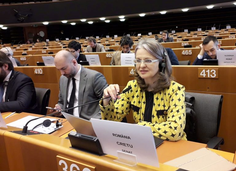 """Președinta Comisiei pentru Afaceri Europene, Gabriela Crețu, la Conferința Semestrul European: """"Tranziția către o economie verde vine cu mari riscuri socio-economice"""""""